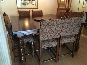 Dining room table and chairs for Sale in FL, US