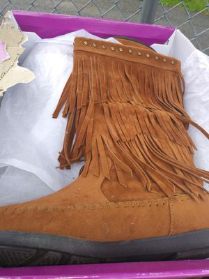 Suede fringe boots 7.5 for Sale in Westfield, MA