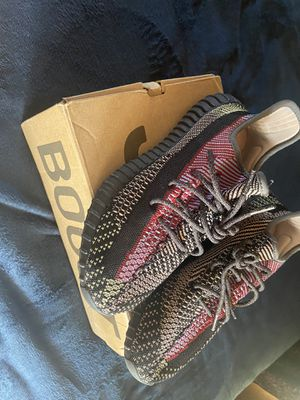 Adidas yeezy boost 350 v2 yechil for Sale in Dearborn Heights, MI