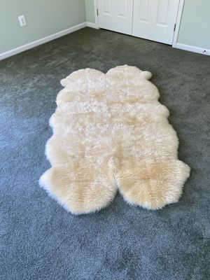Sheepskin Rug for Sale in Millsboro, DE