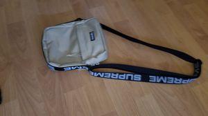 supreme shoulder bag (real supreme) for Sale in Rancho Cucamonga, CA