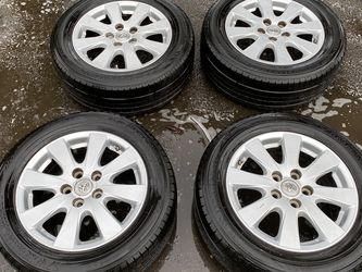 Toyota Camry Wheels and Tires for Sale in Happy Valley,  OR