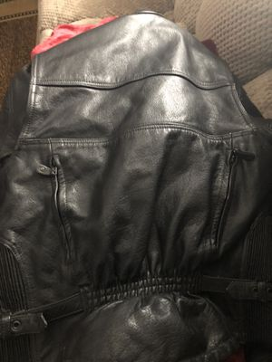 Ladies leather motorcycle jacket for Sale in Independence, OH