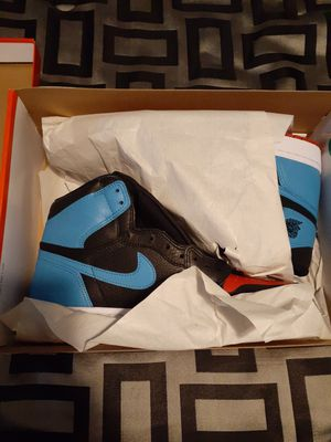Air jordan 1 retro Hi UNC to CHI size 10w for Sale in Brooklyn, OH
