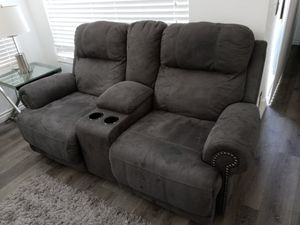 3 piece reclining couches for Sale in Perris, CA