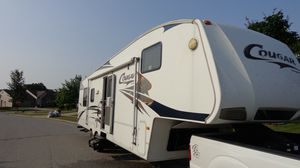 2009 Cougar 24 Ft. Travel trailer with slide out. for Sale in Indianapolis, IN