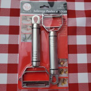 NEW Rust Resistant Julianne peeler and slicer for Sale in Los Angeles, CA