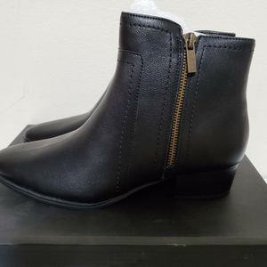 Aerosoles Womens Boots Size 8 Brand New for Sale in Philadelphia, PA
