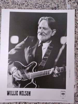 1989 WILLIE NELSON Autographed 8x10 Photo for Sale in Miami, FL