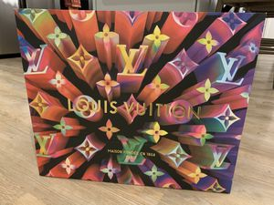 Louis Vuitton 2019 Holiday Limited Edition Shopping Paper Bag for Sale in East Liberty, PA