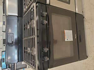 Whirlpool gas stove used good condition with 90 day's warranty for Sale in Mount Rainier, MD