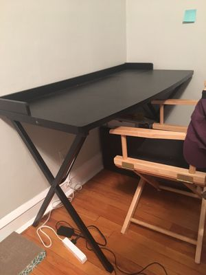 Black Writing desk, puzzles, hobby, crafts for Sale in Chicago, IL