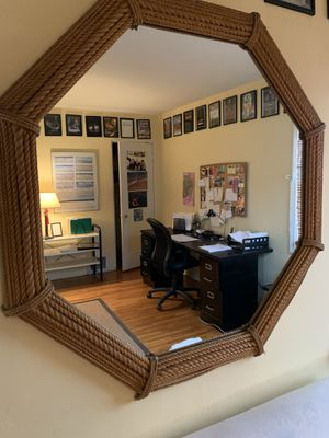 Medium wall mirror like new for Sale in West Hollywood, CA