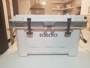 Igloo 70qt IMX cooler for Sale in Houston, TX