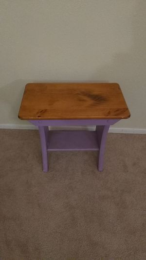Small table/ stool for Sale in Aurora, CO
