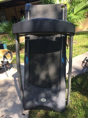 Free Treadmill / Gratis Caminadora for Sale in New Caney, TX