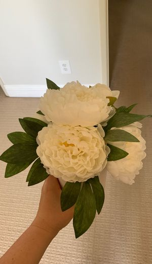 (Fake) peony plant in pot (DECOR) for Sale in San Diego, CA