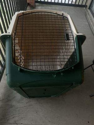 Petmate Ruff Maxx Dog & Cat Kennel, Off White/Green, 40-in for Sale in Belleville, MI