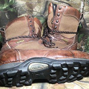 Danner Boots Pronghorn 42212 L/F GTX Waterproof Size 9D Men's for Sale in Portland, OR