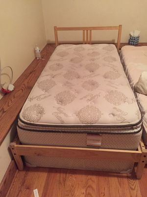 Bed box and mattress for Sale in Flint, MI