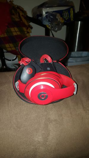 Beats wired headphons excellent condotion for Sale in Germantown, MD