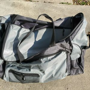 Large ROLLING Duffle Bag for Sale in Garner, NC