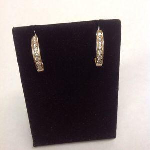 1CT DIAMOND EARRINGS 14KT YELLOW GOLD for Sale in Columbus, OH