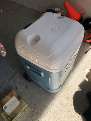 Wheeled cooler for Sale in Tampa, FL