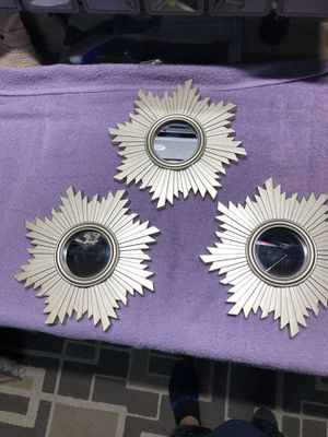 Wall decor plastic mirror for Sale in Fort Myers, FL