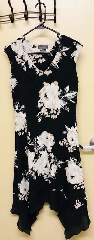Black flower print 'Luxology' professional/business dress (size 4) for Sale in Vancouver, WA