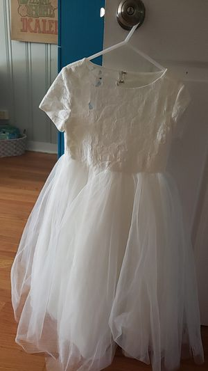 Flower girl dress size 6 for Sale in Chicago, IL