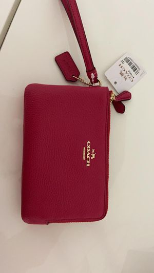 Coach Wristlet new with tags for Sale in Miami, FL