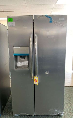 Frigidaire side by side refrigerator!! NEW!! Comes with Warranty 9OWX for Sale in Los Angeles, CA