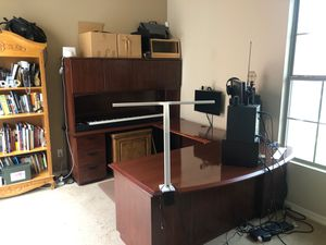 Large Executive Desk / Workstation Desk for Sale in Buckeye, AZ