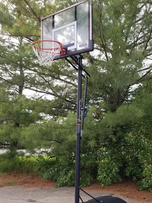 Lifetime Basketball Hoop for Sale in Hilliard, OH