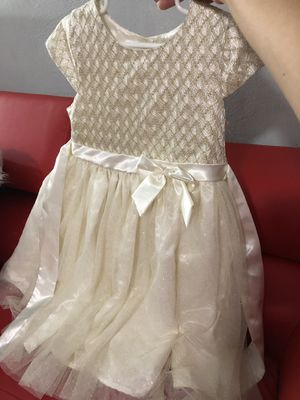 15 toddler dresses 4t-6t for Sale in Hialeah, FL