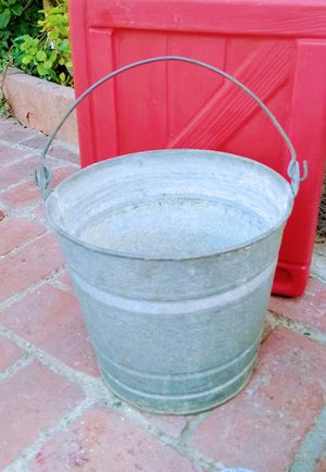 Milk Pale Farm House Galvanized Bucket with Handle for Sale in Santa Fe Springs, CA