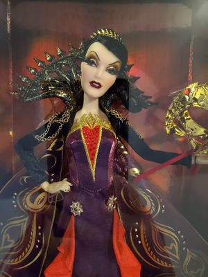 Midnight masquerade Evil Queen for Sale in Kissimmee, FL