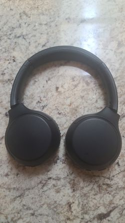 Sony WH-XB700 Bluetooth Headphones for Sale in Orange,  CA