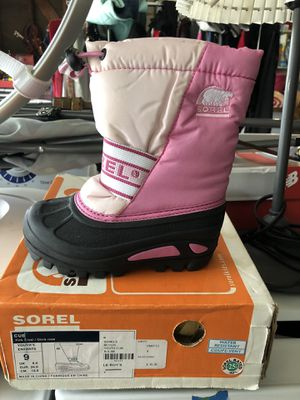 Sorel kids size 9 snow boots for Sale in Riverside, CA
