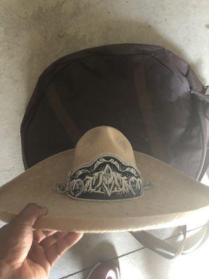 Sobrero charro de fieltro, toquilla bordada muy elegante, se usó tres veces talla 57MX & 7.1/8USA for Sale in Boise, ID
