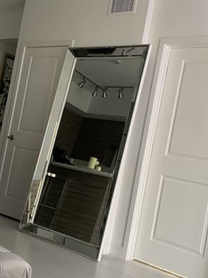 Large mirror for Sale in Miramar, FL