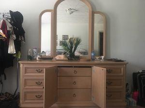 Vanity dresser best offer (Vinings Georgia ) for Sale in Atlanta, GA