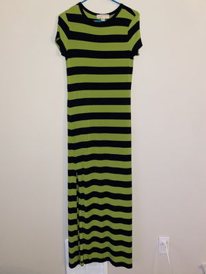 Michael Kors Maxi Size 4/6 Small for Sale in Seattle, WA