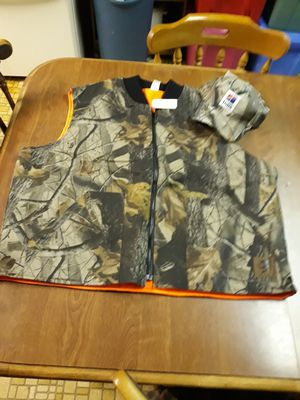 North American Hunting Club Reversible Camo/Orange Vest 2XL plus True Timber Camo Hat for Sale in Hope Valley, RI