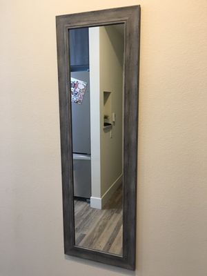 Grey Body Length Mirror for Sale in Artesia, CA