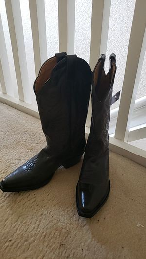 Womens Cowboy Boots - size 7 for Sale in Homestead, FL