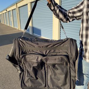 Travel bag For Suits for Sale in Fair Oaks, CA
