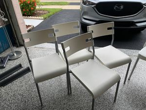 White plastic chairs for Sale in FL, US