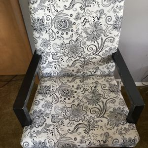 Custom Reupholstered Classic Chair - Wood Frame for Sale in Chicago Heights, IL